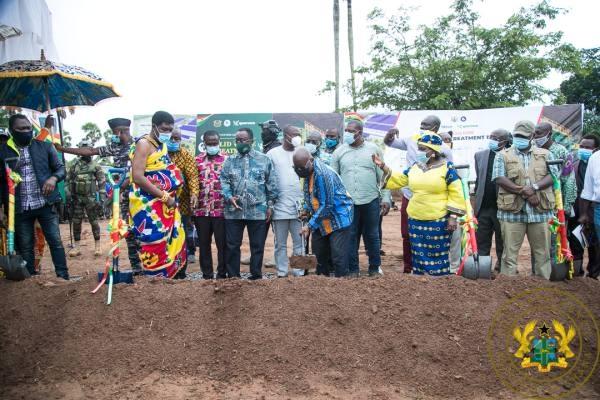 President Nana Akufo-Addo cutting the sod