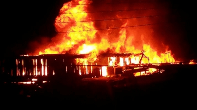Four children were burnt to death when fire gutted a four-bedroom house in Amasaman Fise in the Ga Central District of the Greater Accra Region. They were sleeping in one of the rooms of the property when the incident occurred in the early hours of Wednesday, 28 October 2020. The cause of the fire is not readily known. An eyewitness told Accra100.5FM's mid-day news that the siblings' mother locked them up and left with the key for an all-night service. A gas cylinder also exploded in the inferno, he added. According to him, the mother fainted upon hearing of the news.