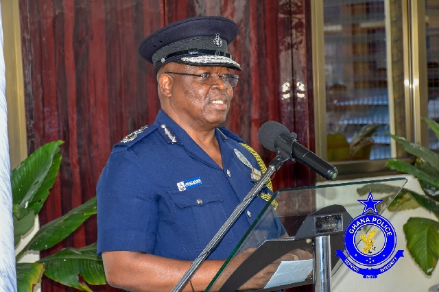 27 police officers promoted