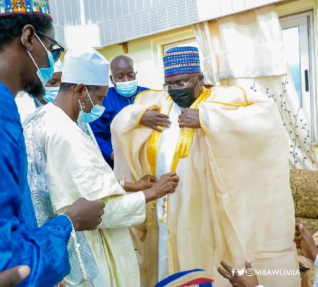 Sheikh Abufayed Ahmad Abdulai Maikano with Vice-President Bawumia