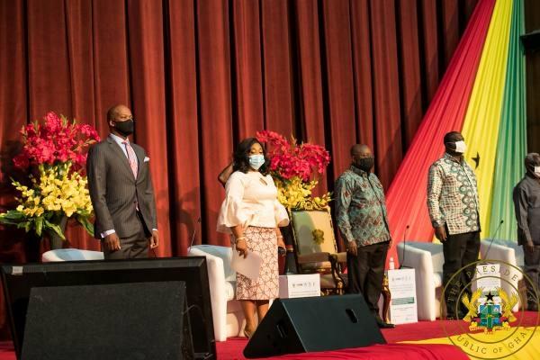 Akufo-Addo standing next to Shirley