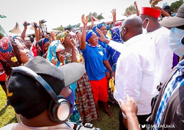 Vice-President Mahamudu Bawumia with the defectors