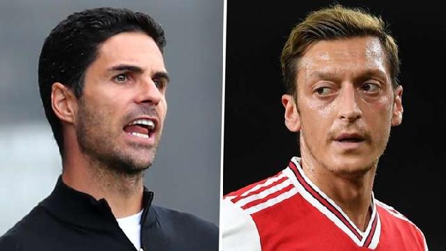 Arsenal boss Arteta and Mesut Ozil