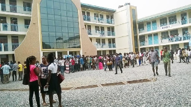 GIJ students are uhappy with the fee increment
