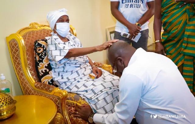 Nana Ama Konadu Yiadom III blessing Vice-President Bawumia