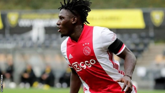 Dutch giants Ajax recorded the biggest victory in Eredivisie history with a 13-0 thrashing at mid-table side VVV-Venlo, who had a player sent off. Ajax, who lost 1-0 to Liverpool in the Champions League on Wednesday, surpassed their previous record - a 12-1 win over Vitesse in 1972. Teenager Lassina Traore scored five, while Jurgen Ekkelenkamp, 20, and Klaas-Jan Huntelaar, 37, scored twice. Dusan Tadic, Antony, Daley Blind and Lisandro Martinez scored the rest. Defender Christian Kum, 35, was sent off for VVV-Venlo in the second half with the team already trailing 4-0. Burkina Faso international Traore, 19, scored the most goals in a Dutch top-flight match since September 2019, when Donyell Malen netted the same amount for PSV Eindhoven against Vitesse. He also became the first Ajax player to record five goals in an Eredivisie match since Marco van Basten in 1985 (six) and the first from the club to record three assists in a league match since Frenkie de Jong in 2017. Traore was two goals short of the Eredivisie record set by former Middlesbrough striker Afonso Alves, who scored seven for Heerenveen against Heracles in October 2007. In terms of biggest winning margins, Ajax's victory on Saturday was not only the largest in Eredivisie history, but joint-second in the club's history in all competitions. Ajax's biggest win was back in 1984 when they hammered Differdange 14-0 in the Europa League (previously the Uefa Cup). It was the first time in a decade that any team were able to score at least 10 goals in a single Eredivisie game since PSV recorded a 10-0 win over Feyenoord. On a day to forget for VVV-Venlo, it was the biggest defeat in the club's history, surpassing the previous record which was a 10-1 loss to FC Eindhoven in the Eerste Divisie in 1964. In the Eredivisie, their previous heaviest defeats were by seven-goal margins to Ajax, Heracles Almelo and AZ Alkmaar.
